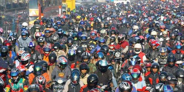 news_atasi_kemacetan__polda_diy_pantau_lalin_lewat_cctv__termasuk_jalan_brigjen_katamso_sedang